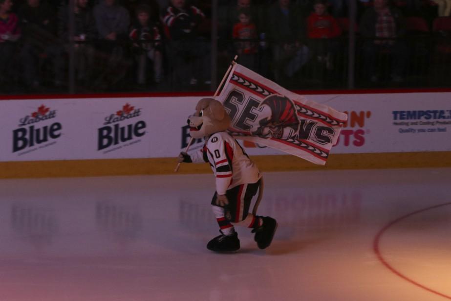 Max le lionceau, mascotte des Senators de Binghamton. (PATRICK WOODBURY, LeDroit)
