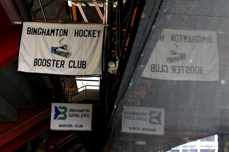 Le «Booster Club» est un club privé dans lequel se regroupent les plus grands fanatiques de hockey de Binghamton. (PATRICK WOODBURY, LeDroit)