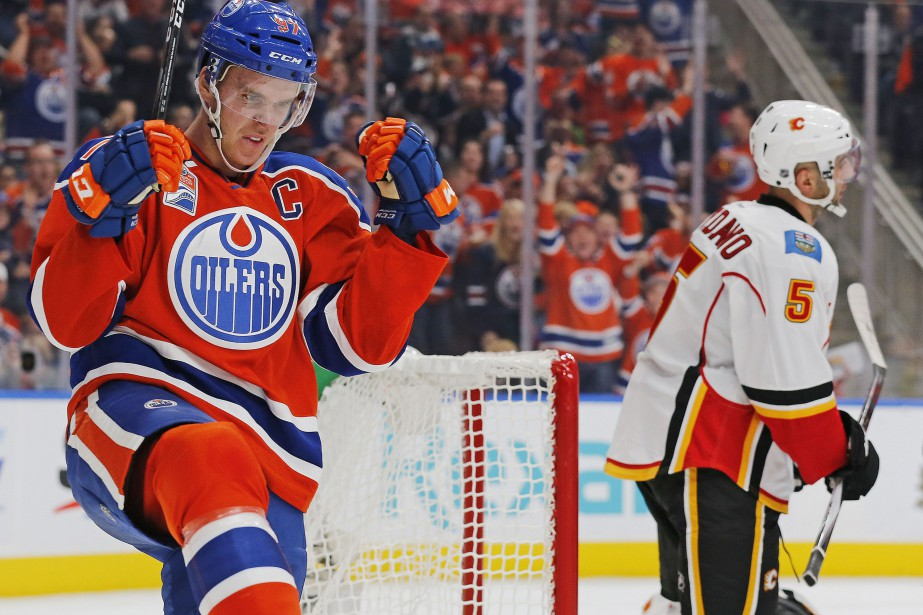Connor McDavid partage le premier rang des marqueurs... (PHOTO Perry Nelson, USA Today)