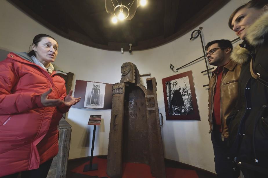De sinistres instruments de torture médiévaux donnent des frissons aux visiteurs. (AFP, Daniel Mihailescu)
