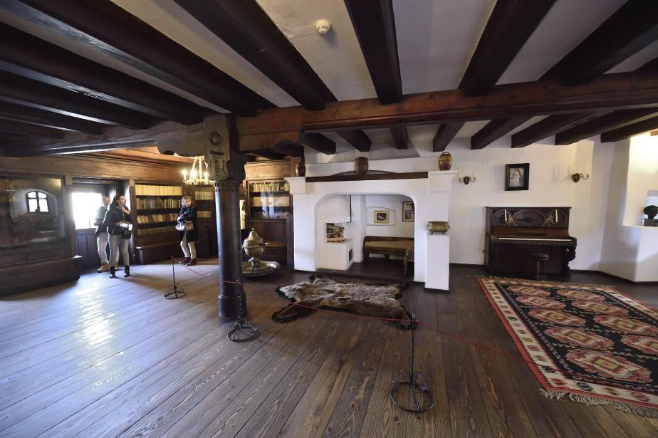 Une des nombreuses grandes salles du château de Bran (AFP, Daniel Mihailescu)