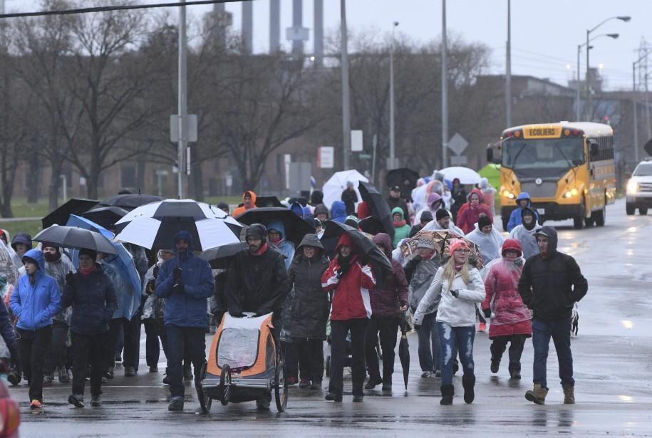 La pluie était de la partie. (Photo le Progrès-Dimanche, Michel Tremblay)