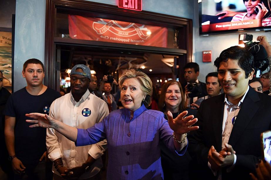 Hillary Clinton a fait campagne en Floride dimanche.... (PHOTO JEWEL SAMAD, AFP)