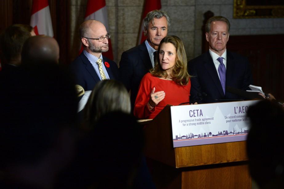 La ministre du Commerce international, Chrystia Freeland,a donné... (Photo Sean Kilpatrick, PC)