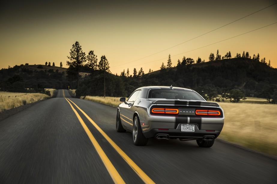 Avec le V8 de 485 ch. de cetteDodge Challenger SRT, les automobilistes ont de fortes chances de toujours la voir sous cet angle. (Toutes les photos : Dodge)