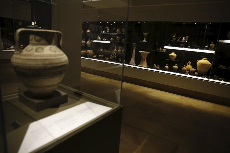 Urnes funéraires(VIe-IVe siècles av. J.-C.) découvertes dans la région de Saida (AFP, Joseph Eid)