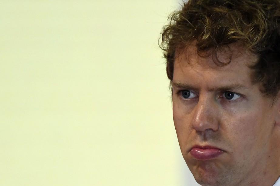 Sebastian Vettel --furieux après avoir été frôlé par... (photo : AFP)