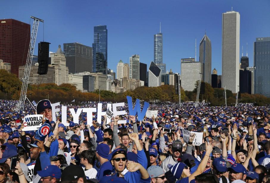 Des milliers de fans des Cubs se sont rassemblés à Grant Park. (Photo Charles Rex Arbogast, AP)
