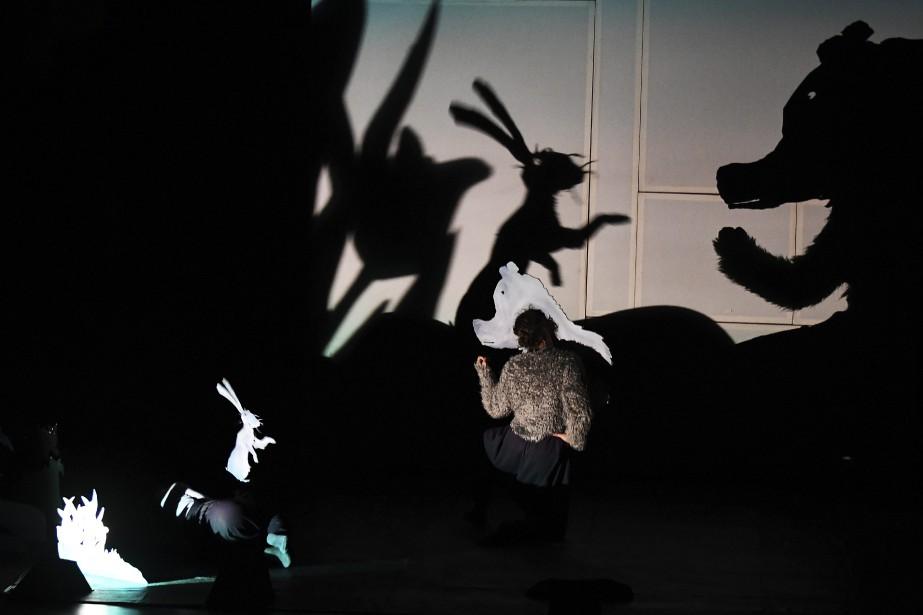 Ces images donnent une idée du charme que dégage la pièce <em>Le Ciel des ours</em>, un délice pour les yeux et aussi les oreilles grâce à la musique composée par l'Italien Alessandro Nidi. (Photo Le Quotidien, Rocket Lavoie)