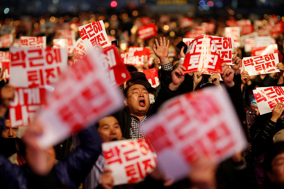 Quelque 40000personnes selon la police, 200000 selon les... (PHOTO KIM HONG-JI, REUTERS)
