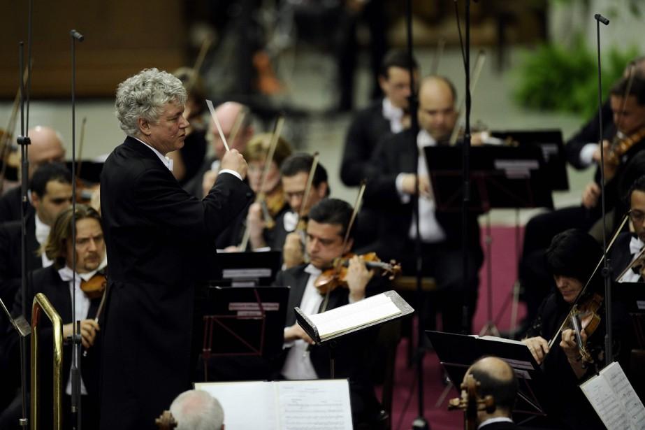 Le pianiste virtuose et chef d'orchestre hongrois Zoltan... (PHOTO ARCHIVES AFP)