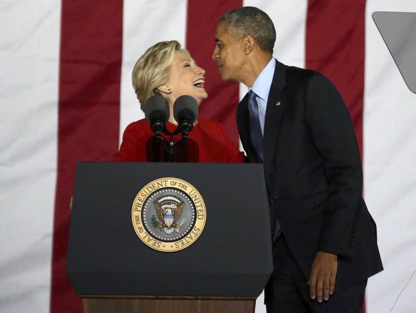 Hillary Clinton a pris le relais de Barack Obama, qui venait de livrer un discours. (REUTERS)