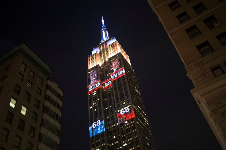 L'Empire State building expose les résultats de la présidentielle à l'aide de projections. (Photo Alex Wroblewski, REUTERS)