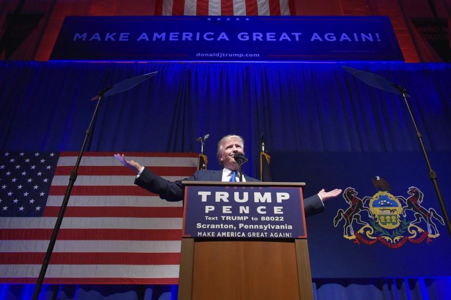 Donald Trump s'adresse à ses partisans réunis à... (photo MANDEL NGAN, archives AFP)