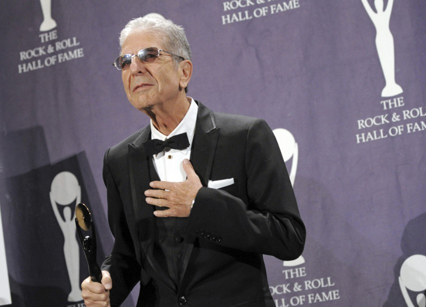 Leonard Cohen, le 10 mars 2008, lors la cérémonie d'intronisation au Rock and Roll Hall of Fame, à New York | 10 novembre 2016