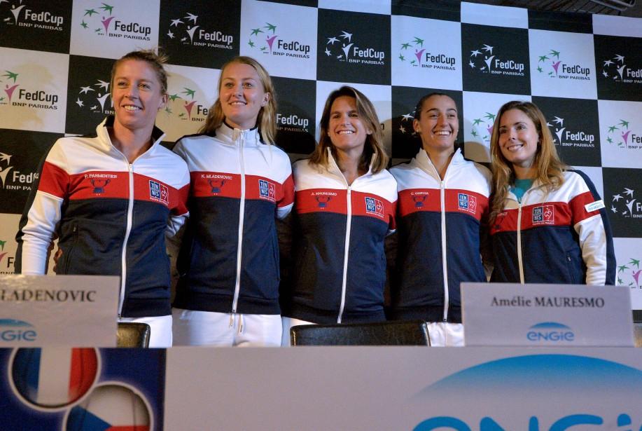 L'équipe de Fed Cup de la France: Pauline... (Photo PATRICK HERTZOG, AFP)