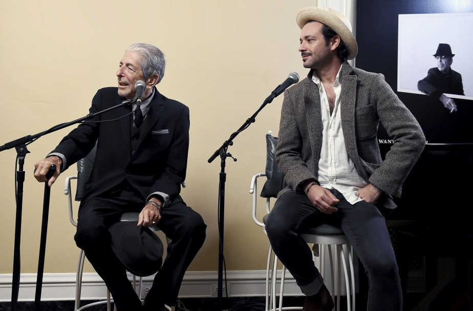 Leonard Cohen en présence de son fils, Adam, le 13 octobre 2016 pour la sortie de son album <em>You Want It Darker</em>. (Frank Micelotta)