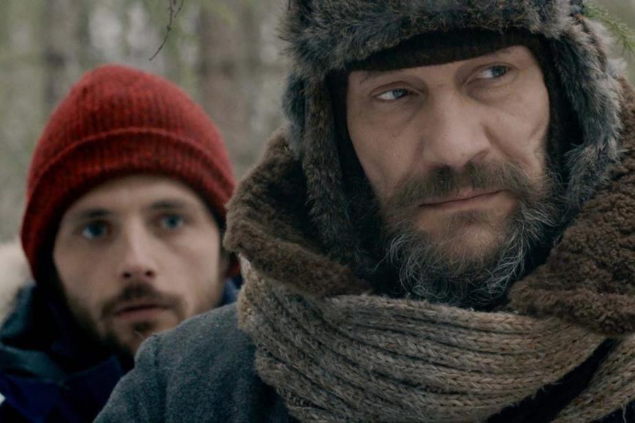 Raphaël Personnaz et Evgeniy Sidikhin dans le filmDans... (Photo fournie par Axia Films)