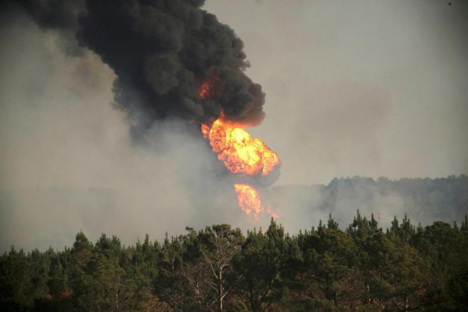 L'explosion d'un pipeline le 31 octobre en Alabama... (Photo Marvin Gentry, Reuters)