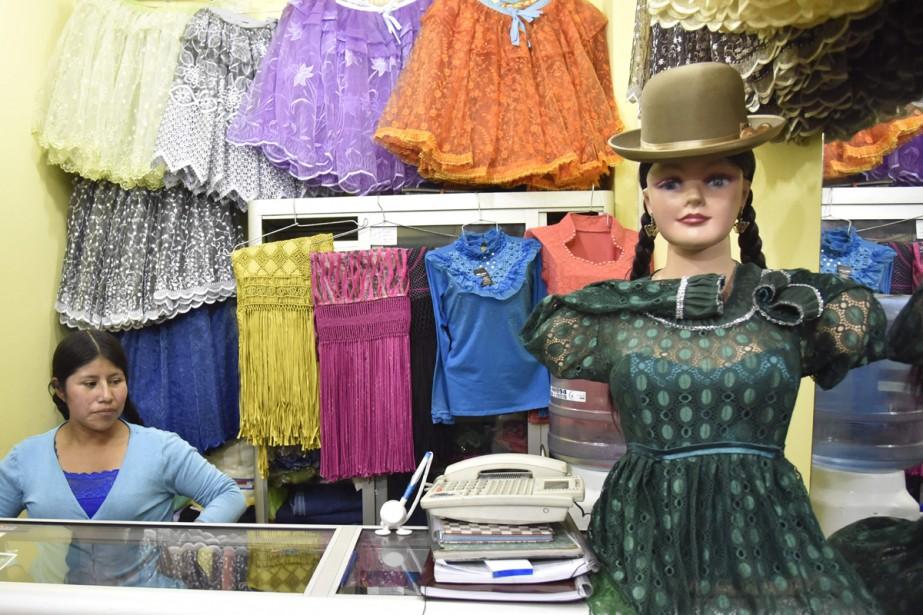 Les jupes bouffantes d'Eliana Paco.... (PHOTO AFP)