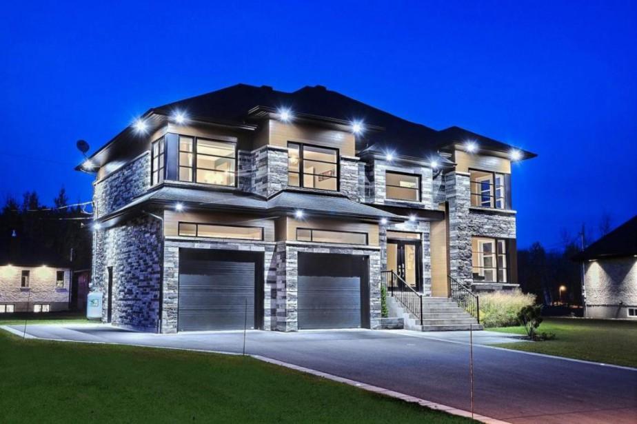 Propri t de la semaine immense maison pr s d 39 un golf for Personnaliser ma propre maison