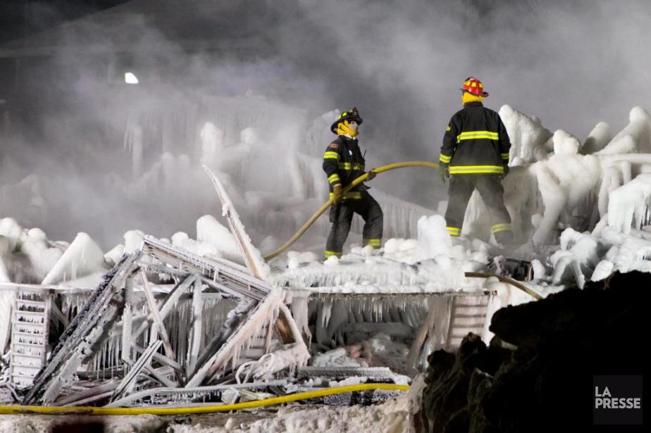 L'incendie de la Résidence du Havre, àL'Isle-Verte, a... (PHOTO ALAIN ROBERGE, ARCHIVES LA PRESSE)