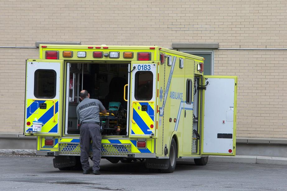 PHOTO ROBERT SKINNER, LA PRESSE-26/JUILLET/2015--GENERAL-PHOTOS STOCK. Ambulance, ambulancier.... (La Presse photo Robert Skinner ,)