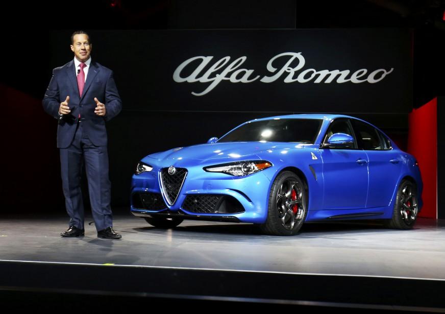 Reid Bigland, le patron d'Alfa Romeo, présente la Giulia 2017. (REUTERS)