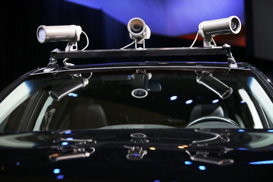 Le toit du véhicule autonome expérimental d'Acura est bardé d'instruments. (REUTERS)