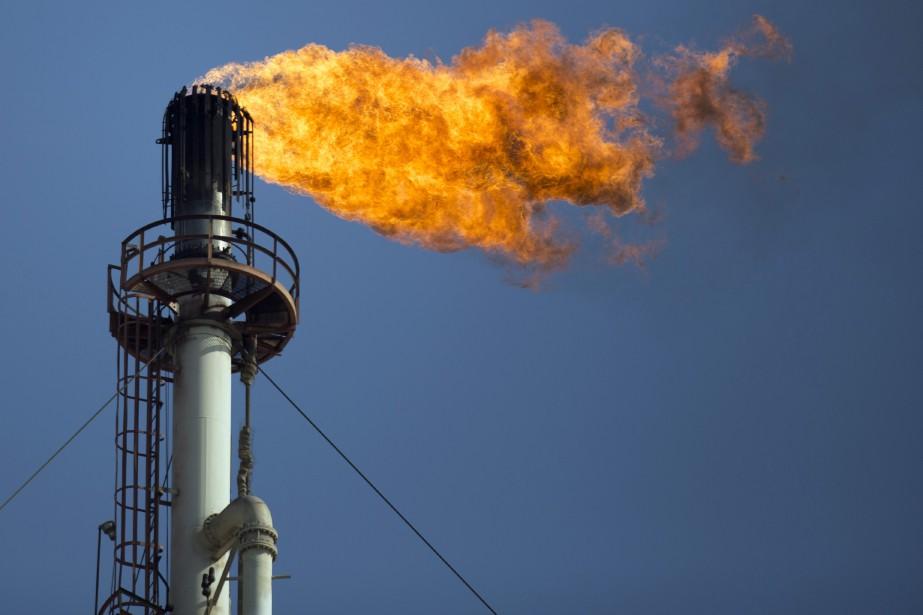 La flamme de cette raffinerie mexicaine n'est pas... (Photo : Bloomberg)