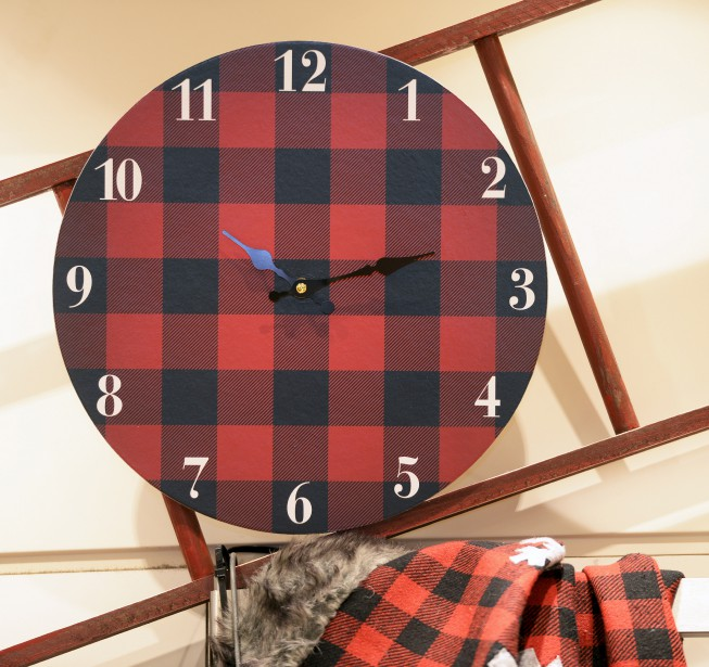 Horloge à carreaux, 16 $ à la boutique éphémère Paradis jardins et accessoires, jusqu'au 31 décembre à Laurier Québec (Le Soleil, Jean-Marie Villeneuve)