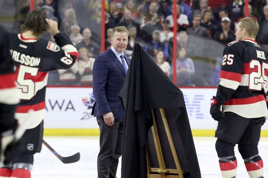 Daniel Alfredsson était sur la glace pour honorer son ancien coéquipier, Mike Fisher. (Patrick Woodbury, Le Droit)