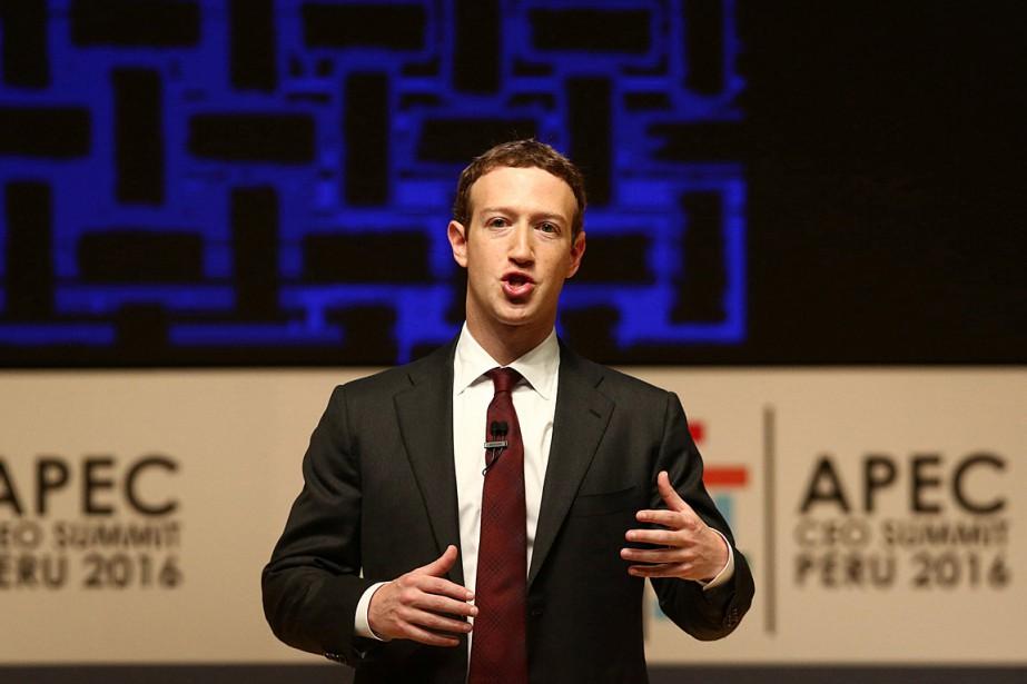 Le fondateur de Facebook Mark Zuckerberg, a prononcé... (PHOTO MARIANA BAZO, REUTERS)