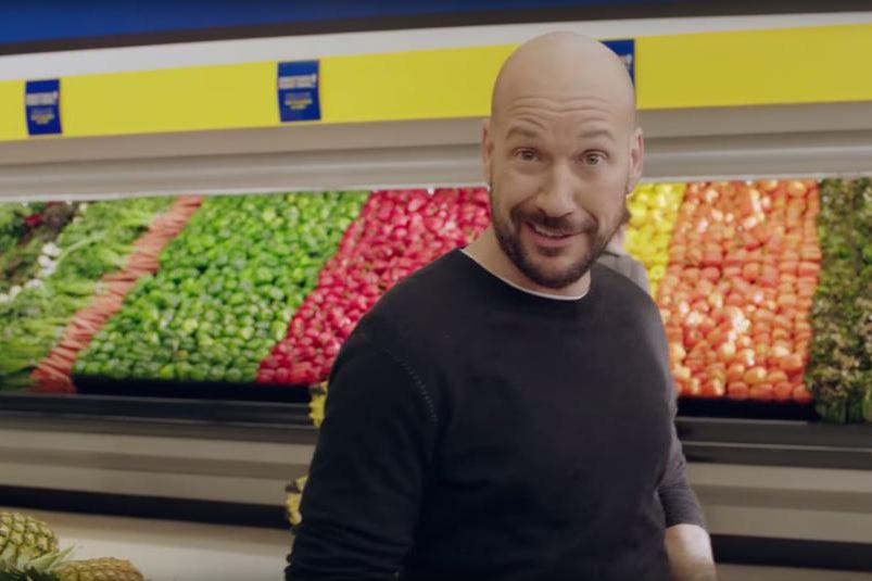 Maxi lance une vaste offensive marketing et publicitaire... (IMAGE TIRÉE DE YOUTUBE)