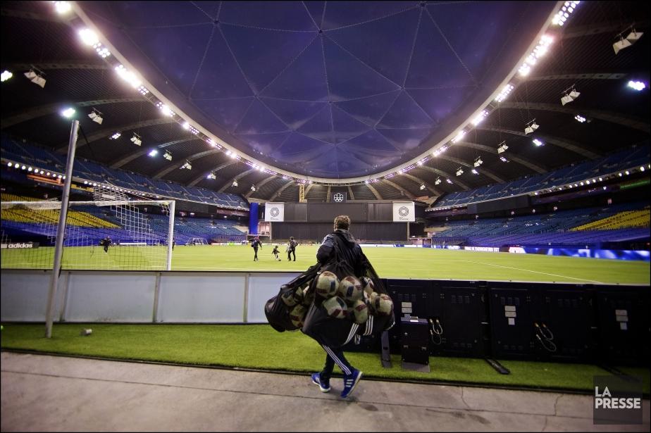 Une foule de 61 004 spectateurs assistera au... (Photo André Pichette, La Presse)