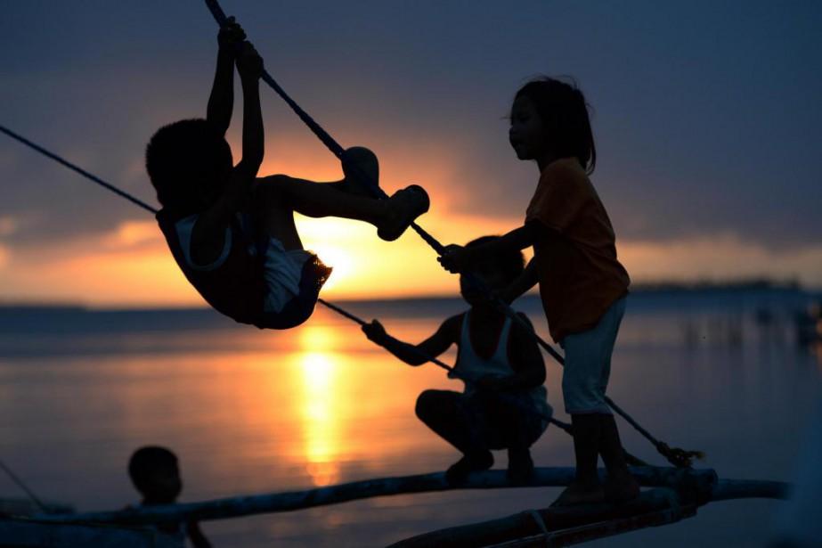 Les changements climatiques «poussent des familles à migrer... (PHOTO TED ALJIBE, archives Agence France-Presse)