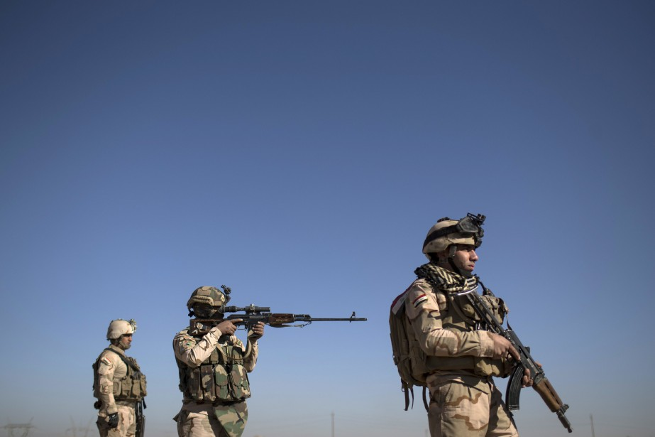 Des soldats de l'armée irakienne.... (Photo Felipe Dana, Associated Press)