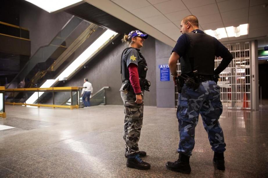Les constables spéciaux des palais de justice refusent... (PHOTO ANDRÉ PICHETTE, LA PRESSE)