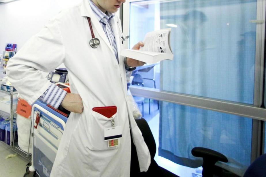 Les jeunes médecins de famille qui terminent l'année... (Archives, La Presse)