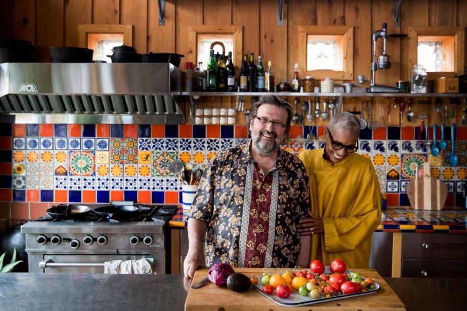 Philippe et Ethné de Vienne publient La cuisine... (PHOTO MARCO CAMPANOZZI, LA PRESSE)