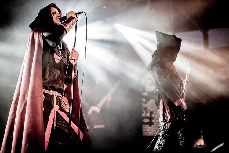 Le groupe polonais Graveland sur scène.... (Photo tirée de Facebook)