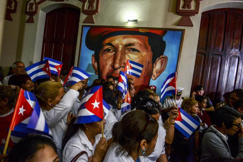 Cuba et le Venezuela sont étroitement liés depuis... (Photo AFP)