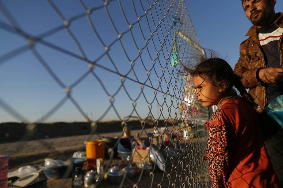 Une jeune fille au camp de réfugiés de... (Photo Thomas Coex, archives Agence France-Presse)