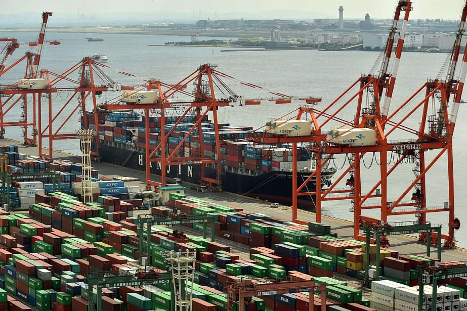 Une vue sur le port de Tokyo, au... (PHOTO KAZUHIRO NOGI, ARCHIVES AFP)