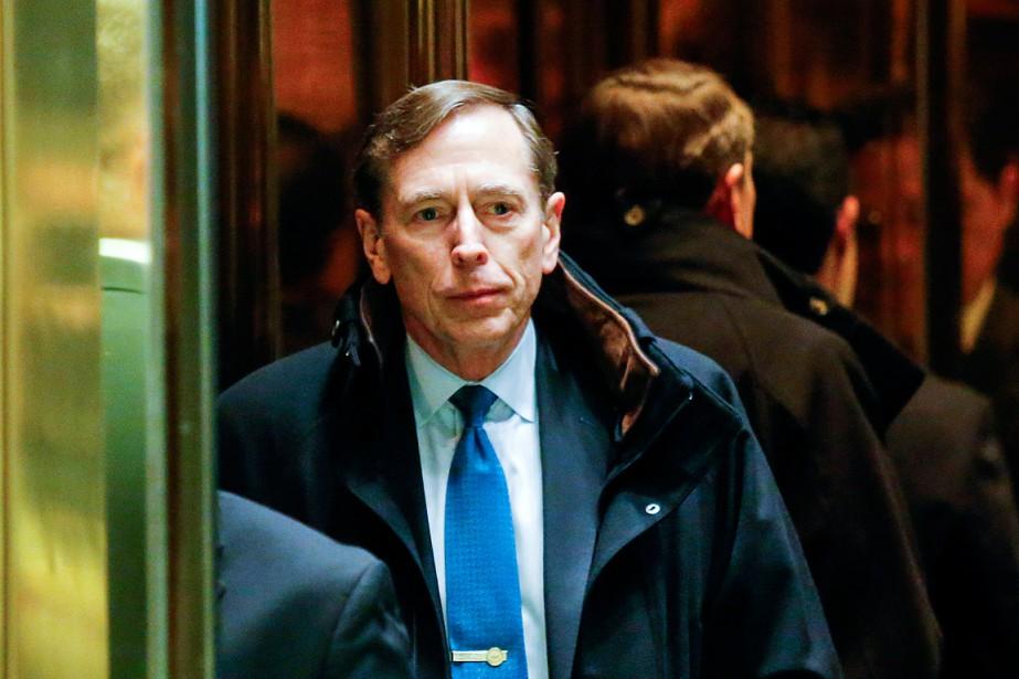 David Petraeus a commandé les théâtres d'opérations en... (PHOTO Eduardo Munoz, archives AFP)