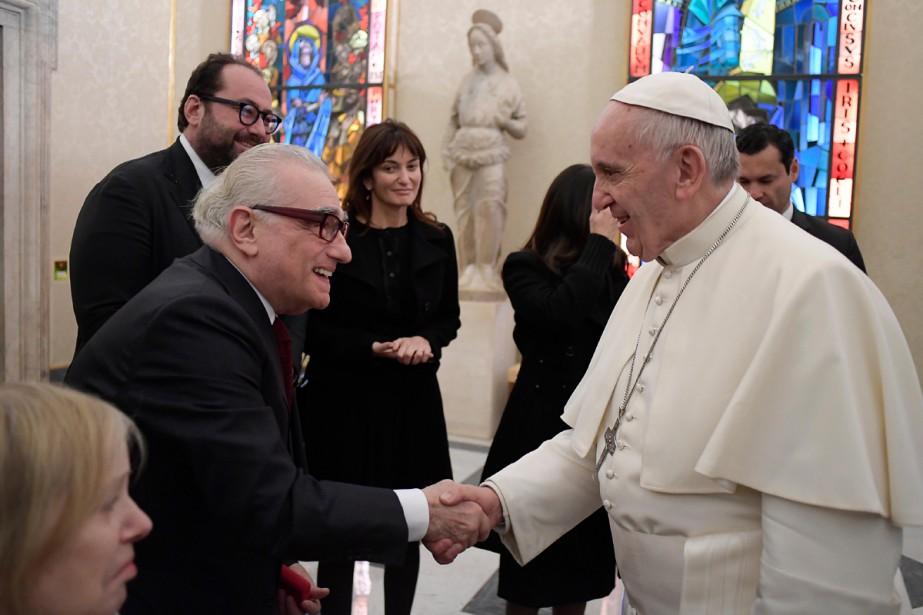 Le pape François a rencontré mercredi le réalisateur Martin... (PHOTO AFP)