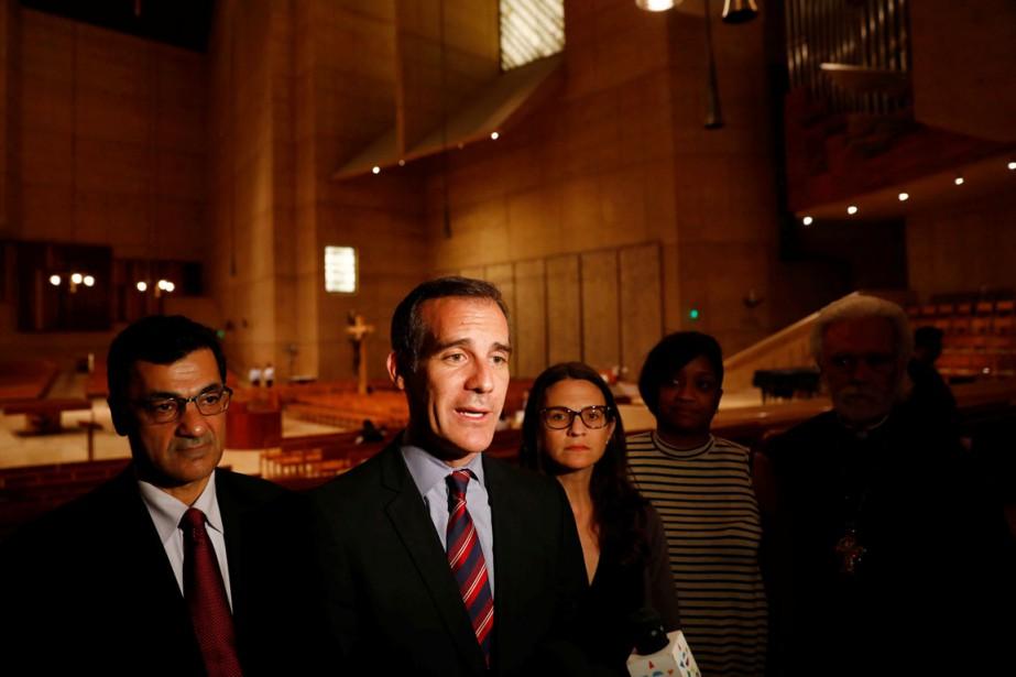Selon le maire Garcetti (au centre),« beaucoup de... (photo Patrick T. Fallon, archives REUTERS)