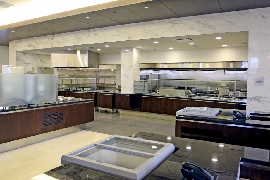 La nouvelle cafétéria (Patrick Woodbury, Le Droit)