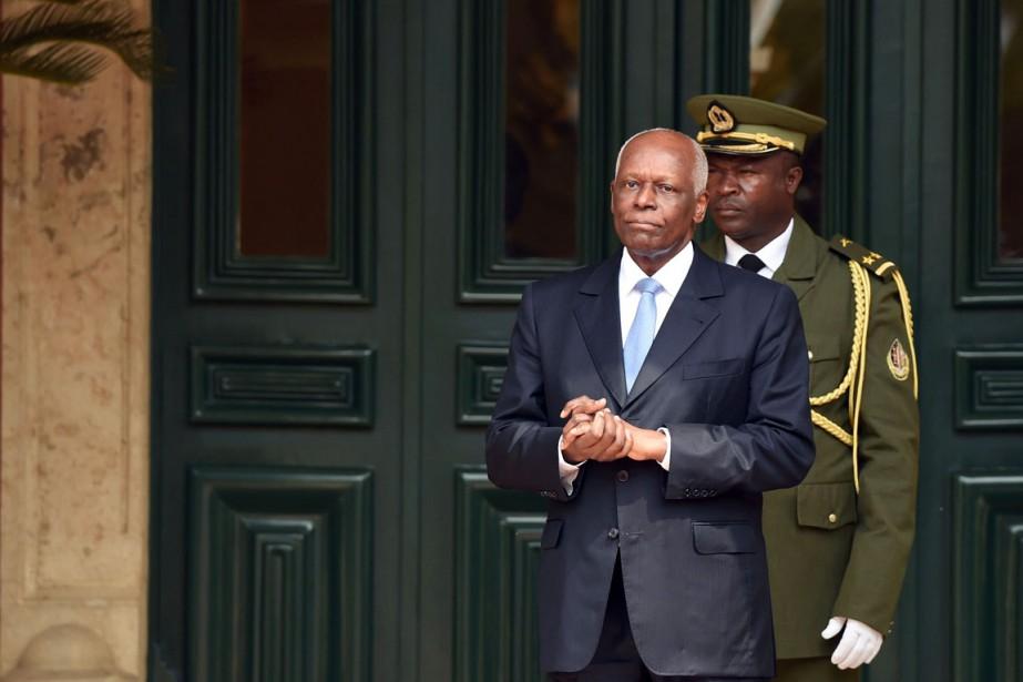 Arrivé au pouvoir en 1979, José Eduardodos Santos... (photo ALAIN JOCARD, archives Agence France-Presse)