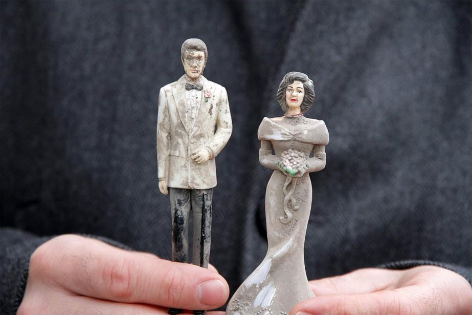 Les figurines, à l'effigie de mariés, ont été... (PHOTO TIRÉE DE FACEBOOK)